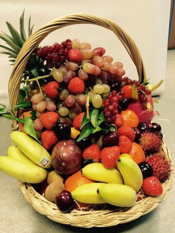 Nos services chez Universprimeurs corbeille de fruits 2