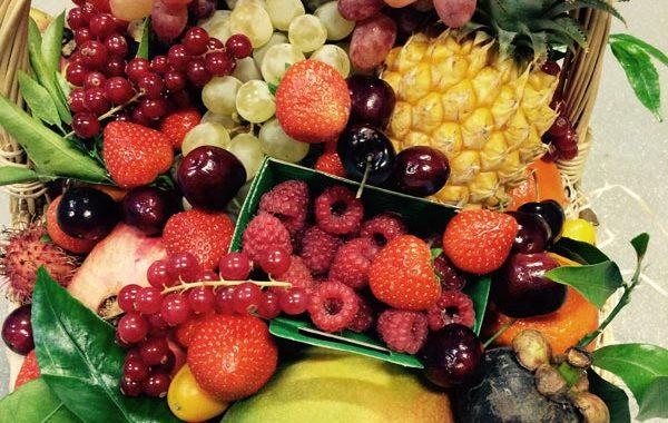 Nos services chez Universprimeurs corbeille de fruits