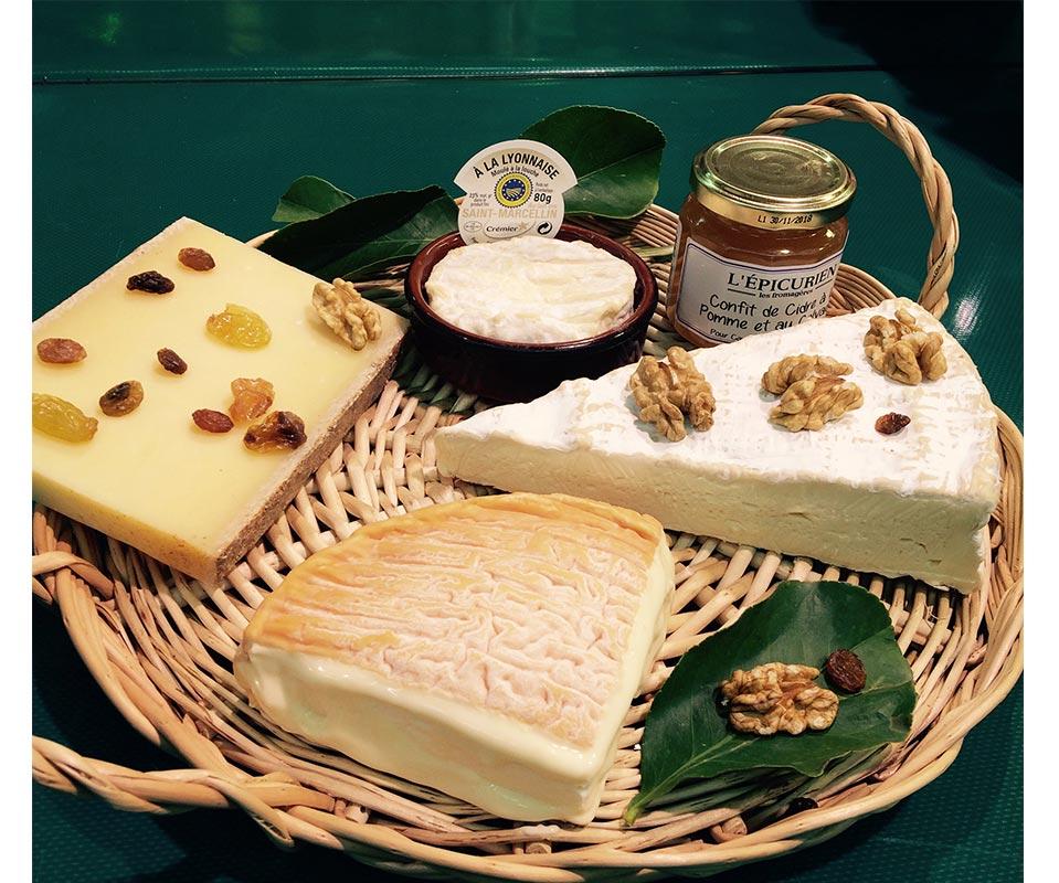 Nos services chez Universprimeurs plateau de fromages de vache